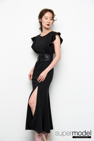 Fuer Ruffled Dress (Black)